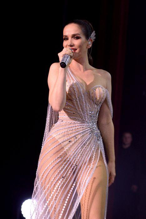 Natalia Oreiro, extrem de sexy în concert FOTO