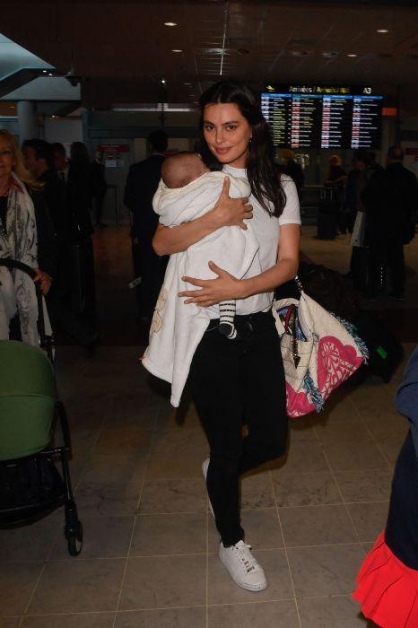 Catrinel Menghia a mers cu bebelușul la Cannes FOTO