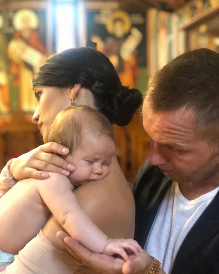 """Codin Maticiuc și-a botezat fetița: """"În biserica construită de tatăl meu"""". FOTO"""