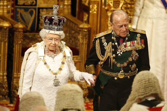 Prințul Phillip, soțul Reginei Elisabeta a II-a împlinește 98 de ani
