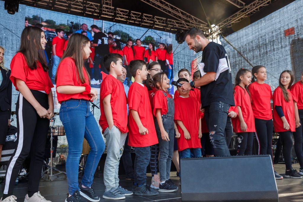 (P) Peste 1000 de oameni au participat la concertul susținut de către Smiley la Dragonul Roșu