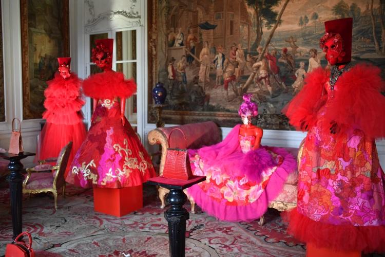belgia expozitie costume teatru