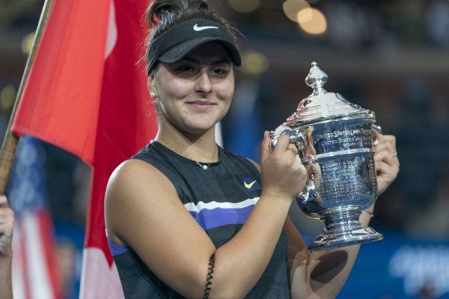 """Simona Halep, mesaj pentru Bianca Andreescu: """"România este mândră de tine"""""""