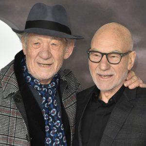 doi-actori-celebri-sau-sarutat-pe-covorul-roi