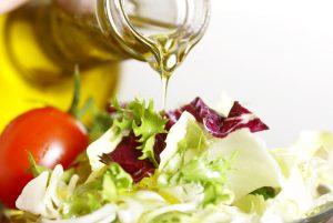 Ulei de măsline pentru gătit, în salată