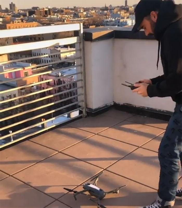 Iubire în vreme de coronavirus: cum a cucerit un fotograf o femeie cu drona