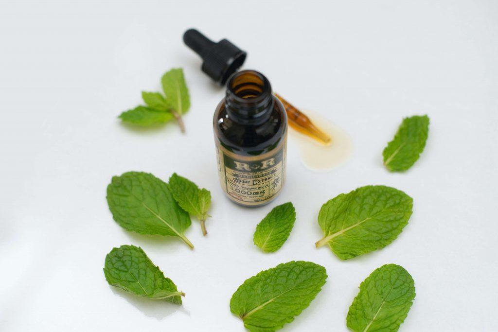 (P) Anxietatea poate fi tratată cu ulei de canabis! Ce arată studiile despre acest remediu natural!