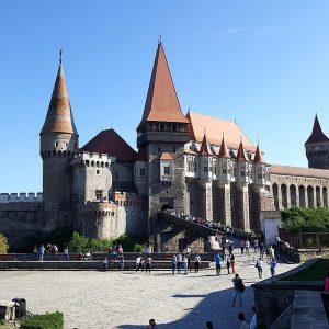 castelul-corvinilor-comoara-de-legenda-din-inima-hunedoarei