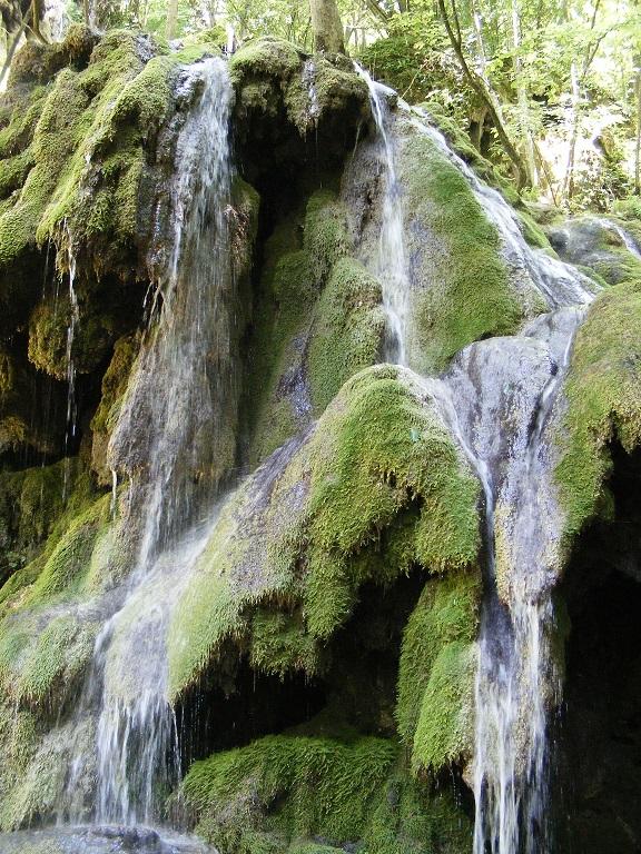 Cheile Nerei, locul de basm cu cele mai frumoase cascade