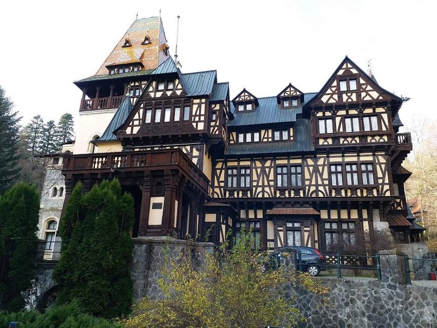 Castelul Peleș, unul dintre marile simboluri ale României