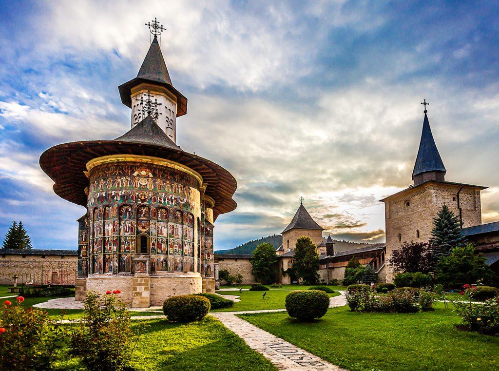 Mănăstirea Putna, bogata ctitorie a lui Ștefan cel Mare